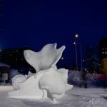 die fertige Skulptur Nachts