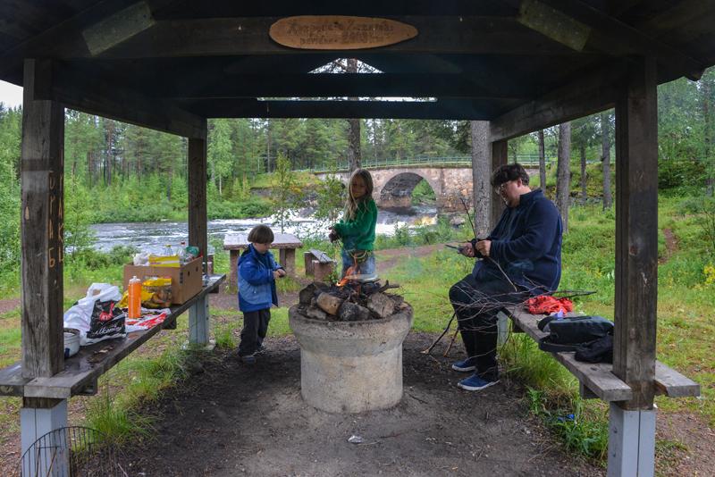 Stenbron  - Picknick am Lagerfeuer