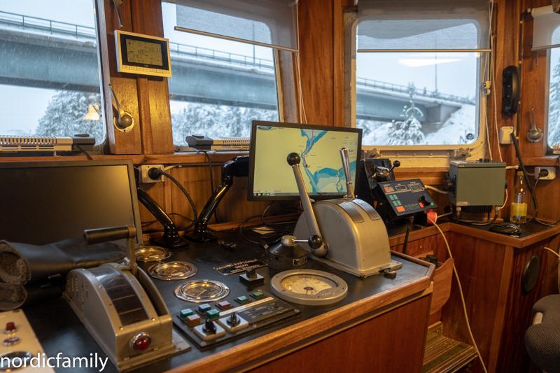 Arctic Explorer Icebreaker Brücke