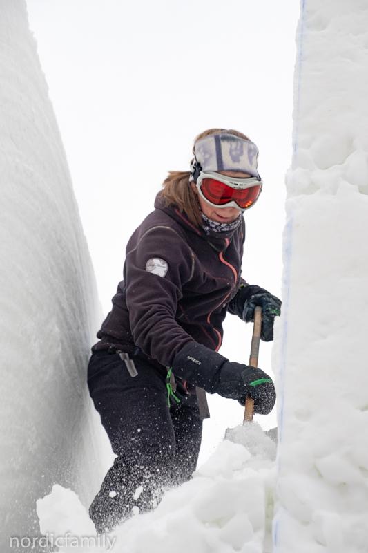 Snowcarving Jodine