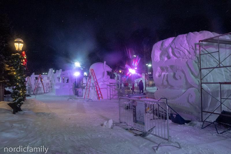 Nacht beim Snowsculpting in Breckenridge