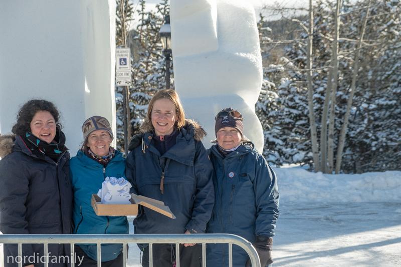 Snowsculpting in Breckenridge Angelique Walter, Jodine Leigh, Geertje Marquardt, Carol Dagenaise