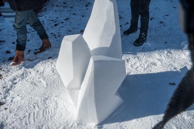 Schneeskulpturen in Potsdam Guido-Seeber-Haus