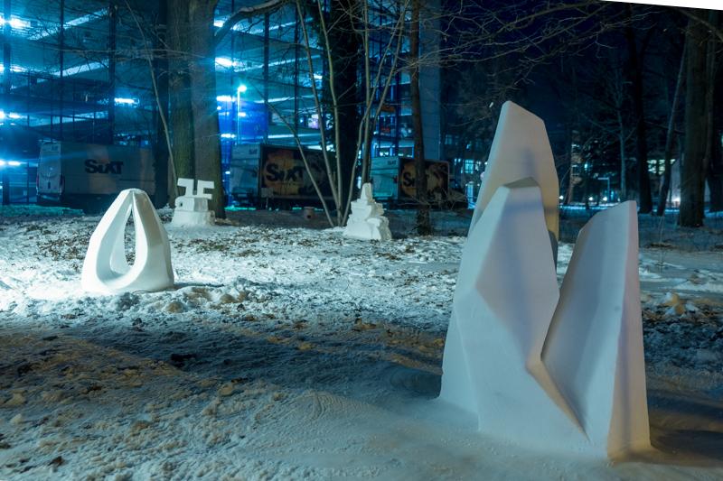 Schneeskulpturen in Potsdam Medienstadt