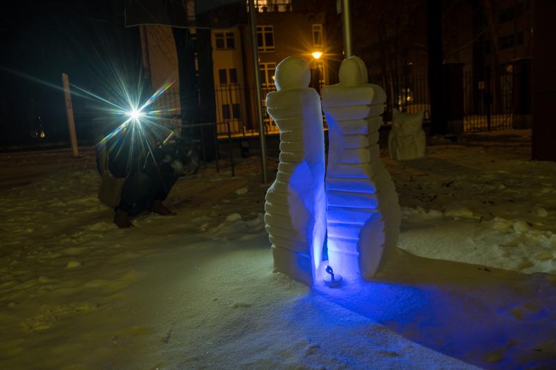 Schneeskulpturen in Potsdam Eingang GSH