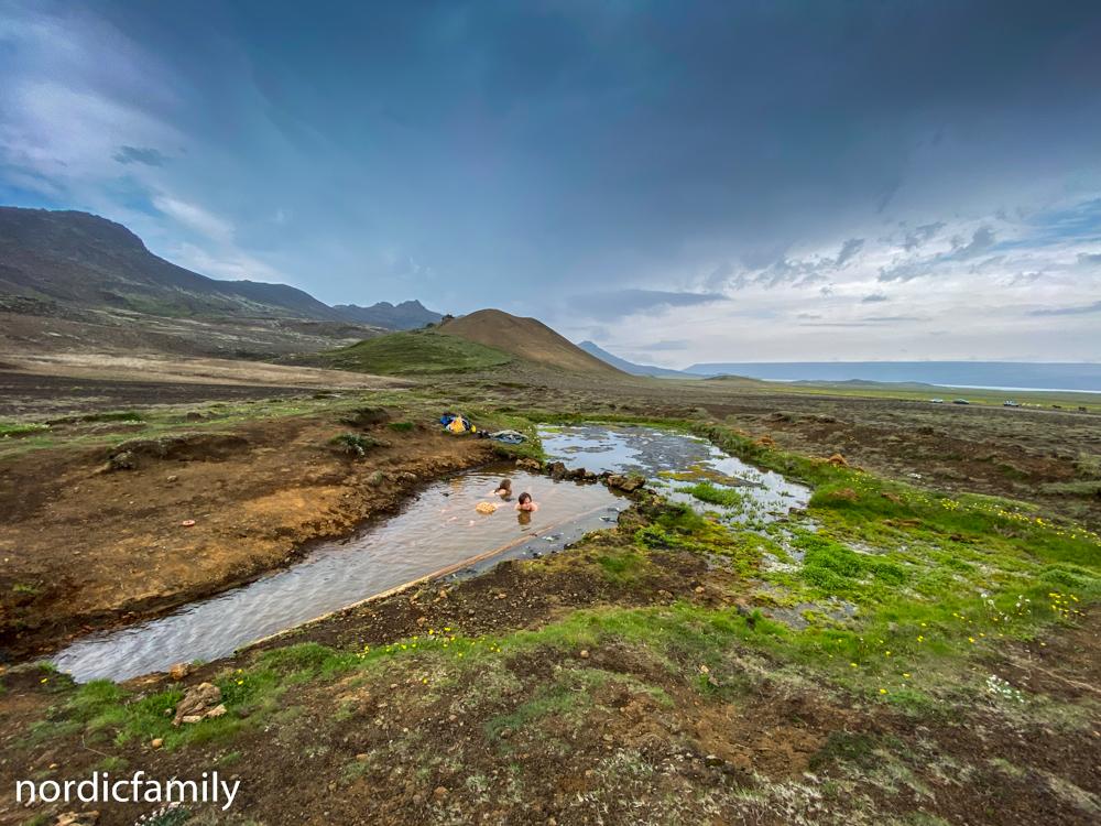 Reykjanes Sightseeing - heiße Quelle