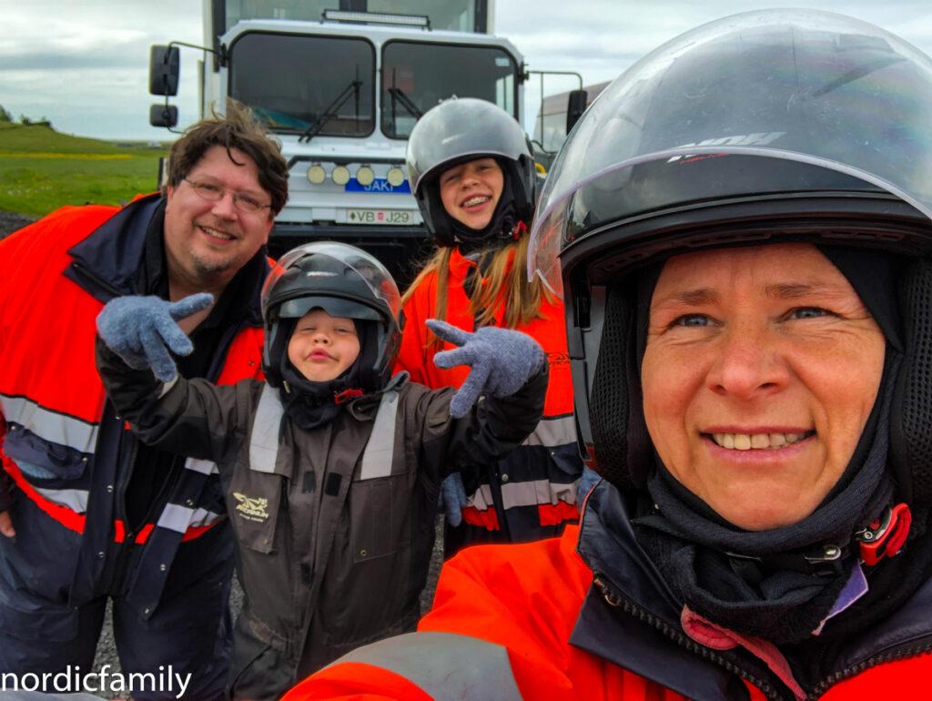 Icelandic Mountain Guides Schneemobiltour